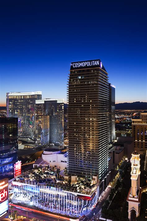 A Tale of Two Cities Where Dining is a Sure Bet – Vegas 2