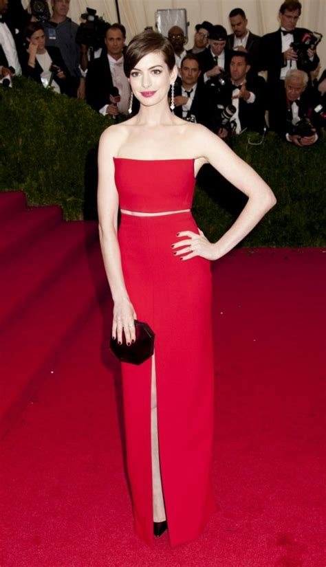 Anne Hathaway Height and Weight Stats - PK Baseline- How