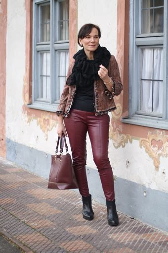 How to wear (faux) leather leggings over 50 - my personal