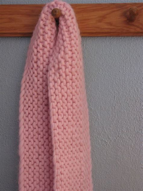 It's So Fluffy! Free Scarf Pattern - Knitcircus