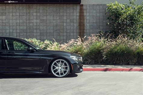 BMW 750i G12 gets a custom look with the satin silver