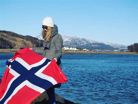 1 in 10 Russians want to emigrate, Julia choose Norway