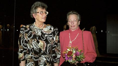 Sisters - Princess Astrid, Mrs