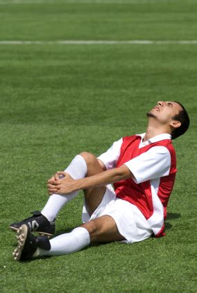 Do males or females fake more soccer injuries? | Dr