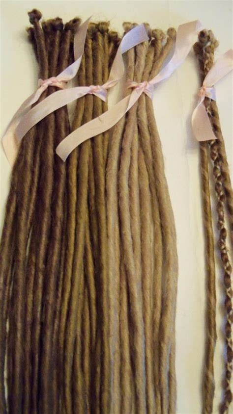 20 SE Single Ended Synthetic Dreads Light Medium Blonde Brown