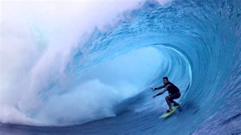 Peaking: A Big Wave Surfer's Perspective - Carlos Burle