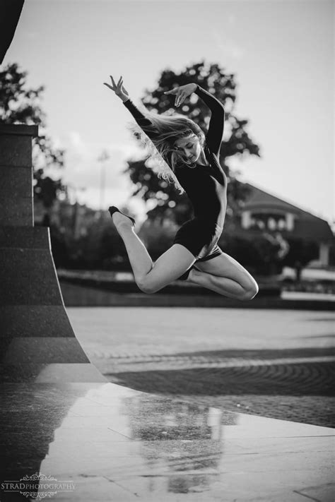 Dance photo shoot with a modern jazz dancer Adrianna